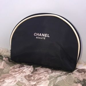 Chanel Beauty Cosmetic pouch